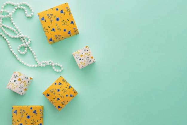 Maquete de embalagem com conceito de jóias e copyspace