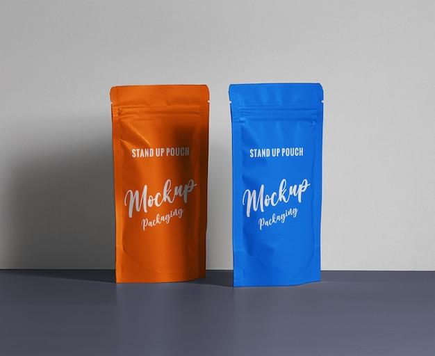 Maquete de embalagem de bolsa de pé colorida