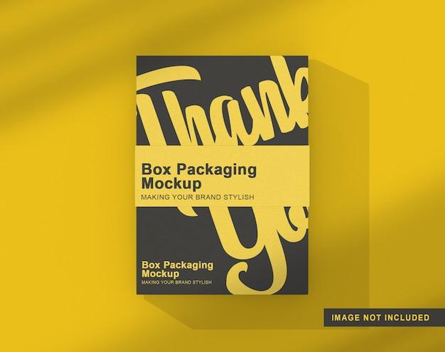 Maquete de embalagem de caixa isolada com selo