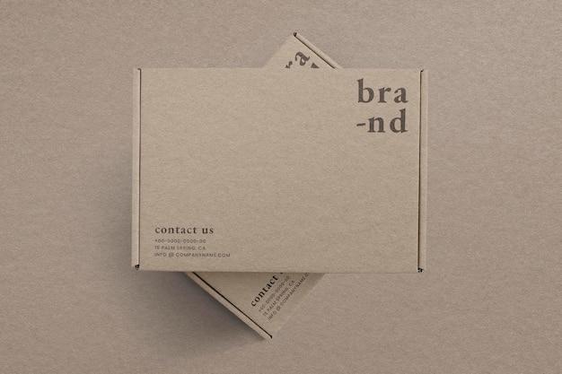 Maquete de embalagem de caixa kraft em anúncio marrom