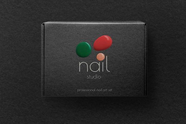 Maquete de embalagem de caixa kraft psd em estilo moderno de pintura de cor preta