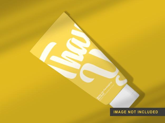 Maquete de embalagem de maquiagem isolada