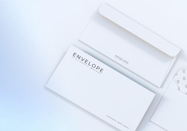 Maquete de envelope branco limpo closeup monarca