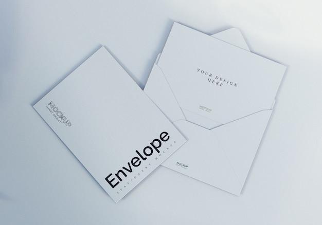Maquete de envelope branco limpo