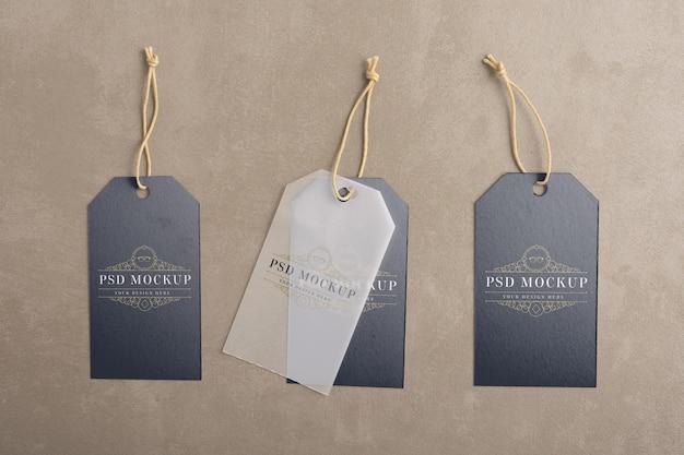 Maquete de etiqueta de etiqueta para roupa pendurada
