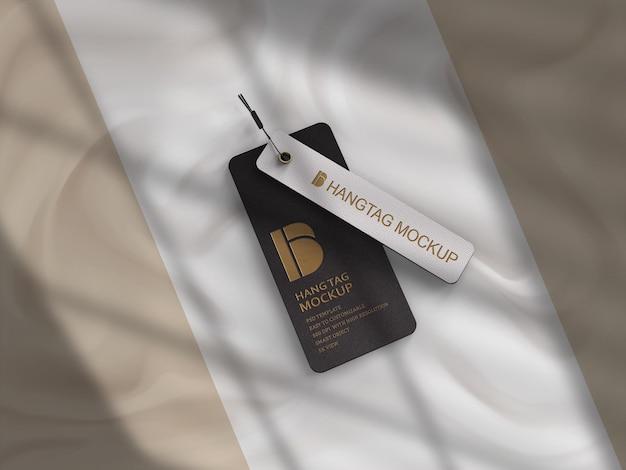 Maquete de etiqueta de etiqueta pendurada com fundo branco e sombra de janela