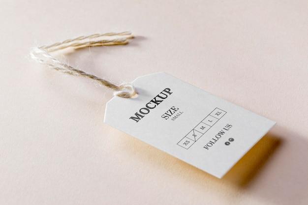 Maquete de etiqueta de tamanho branco com vista alta