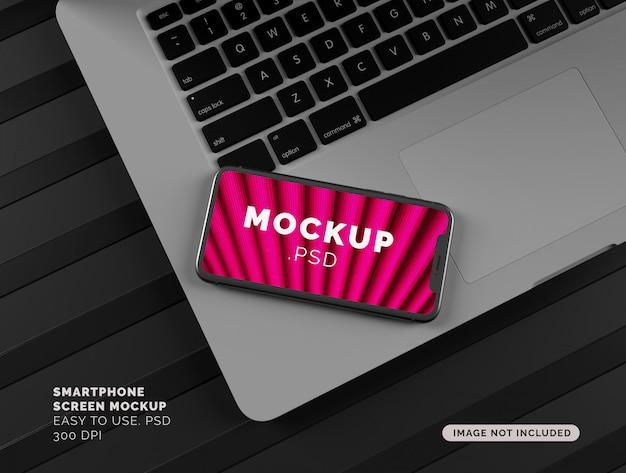Maquete de exibição de smartphone no laptop