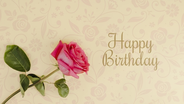 Maquete de feliz aniversário com rosa
