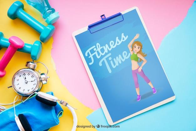 Maquete de fitness com a prancheta à direita