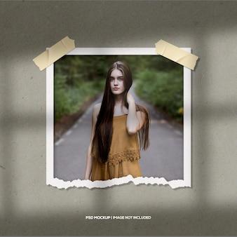 Maquete de foto com moldura de papel de retrato realista
