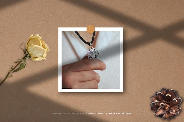 Maquete de foto de moda polaroid do moodboard