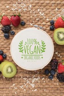 Maquete de frutas saudáveis na mesa