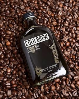 Maquete de garrafa de café gelado