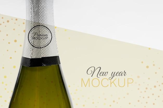 Maquete de garrafa de champanhe de ano novo