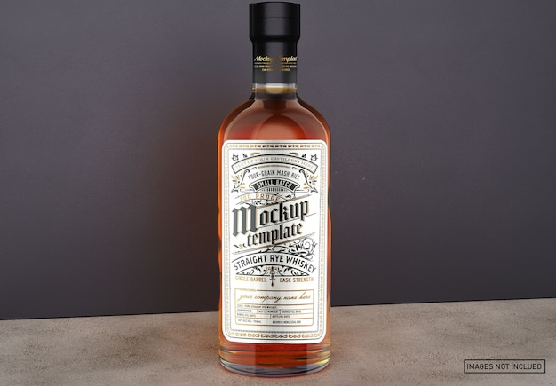 Maquete de garrafa de uísque de vidro transparente