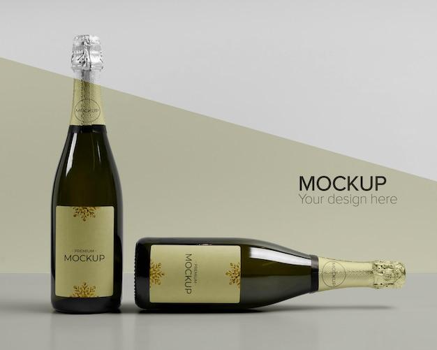 Maquete de garrafas de champanhe com vista frontal