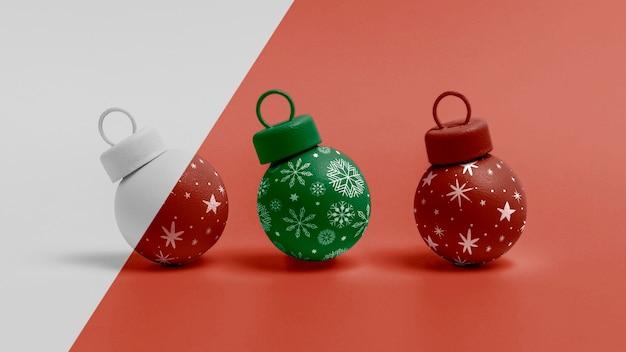 Maquete de globos de natal decorados