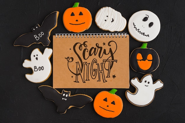 Maquete de halloween com capa de caderno espiral