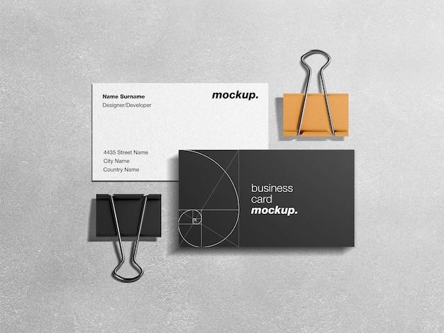 Maquete de identidade corporativa profissional de cartões de visita com antolhos de papel