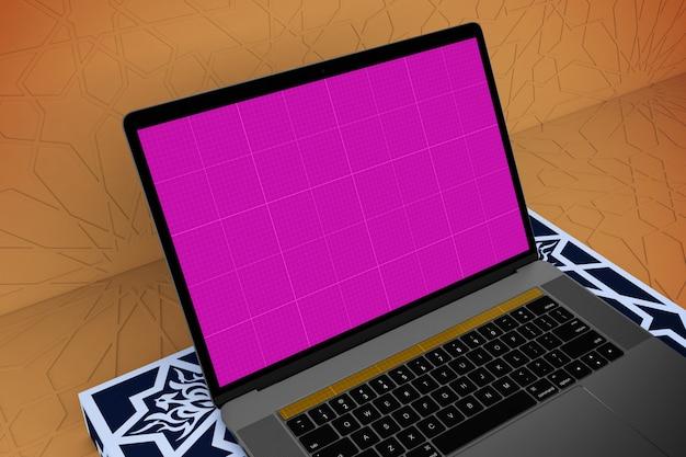 Maquete de laptop árabe