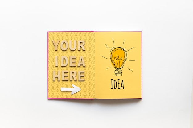 Maquete de livro aberto com o conceito de dicas