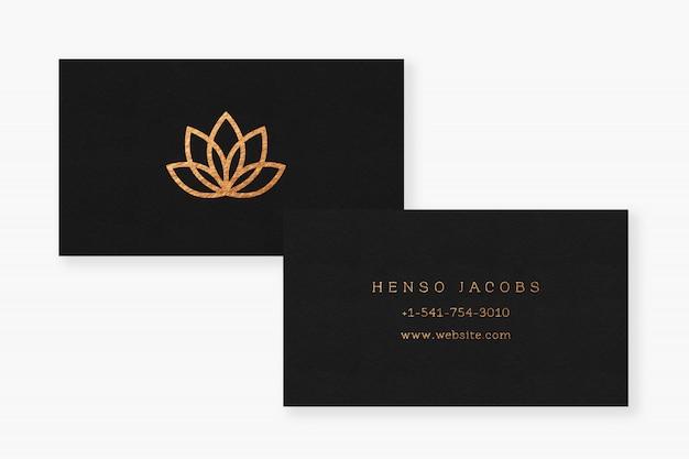 Maquete de logotipo de cartão de visita de efeito de textura de ouro
