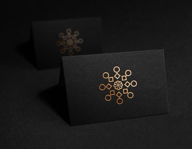 Maquete de logotipo de cartão de visita preto