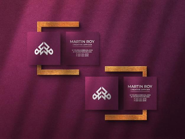 Maquete de logotipo de cartão de visita quadrado de luxo com efeito em relevo