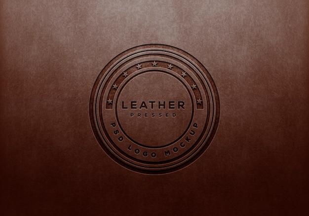 Maquete de logotipo de couro perfurado
