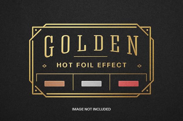 Maquete de logotipo de folha quente dourada