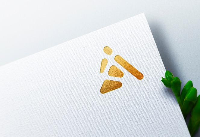 Maquete de logotipo de luxo em papel ofício branco