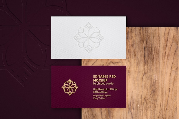 Maquete de logotipo de luxo em relevo na maquete de cartão de visita