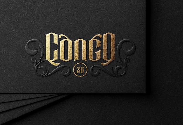 Maquete de logotipo de luxo no cartão preto