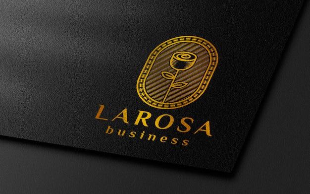 Maquete de logotipo de ouro de papel preto
