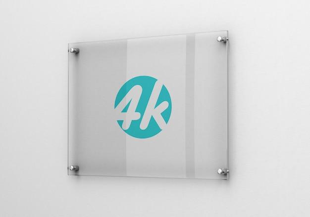 Maquete de logotipo de sinalização de vidro fotorrealista