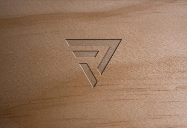Maquete de logotipo de textura de madeira macia