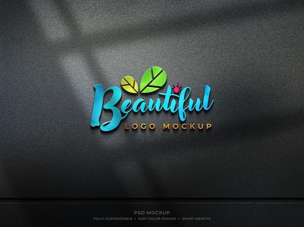 Maquete de logotipo de vidro reflexivo colorido com sombra