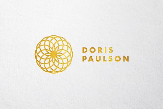 Maquete de logotipo dourado