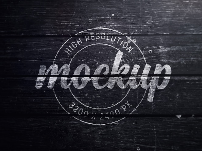 Maquete de logotipo em madeira preta velha