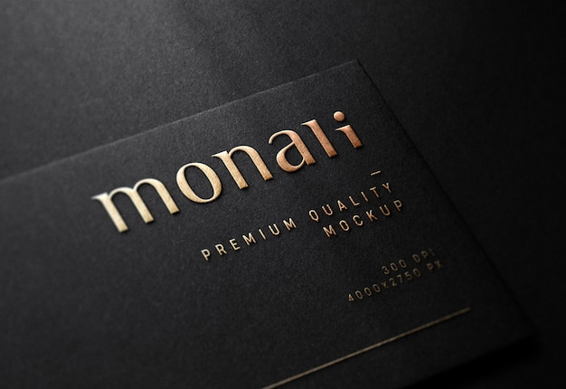 Maquete de logotipo em relevo de luxo no preto cartão de visita