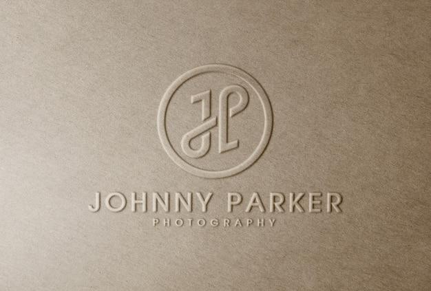 Maquete de logotipo em relevo em papel artesanal
