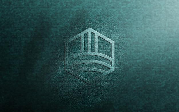 Maquete de logotipo em relevo em tecido azul