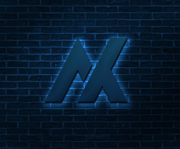 Maquete de logotipo fotorrealista brilho na parede de tijolo