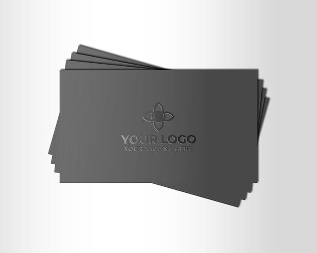 Maquete de logotipo no cartão de visita