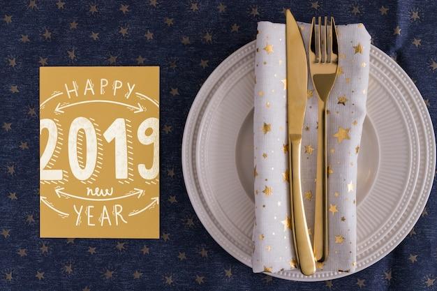 Maquete de menu com o conceito de ano novo