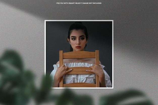 Maquete de modelo polaroid de moldura de foto realista psd premium
