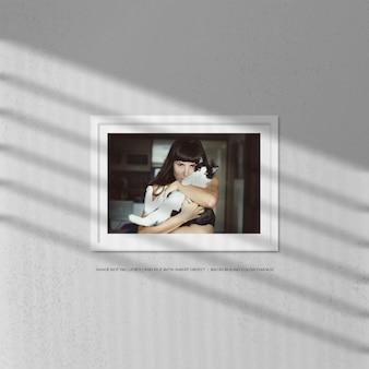 Maquete de moldura de foto de paisagem realista