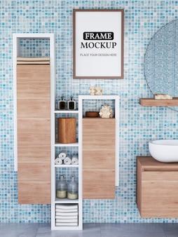 Maquete de moldura de foto realista no banheiro