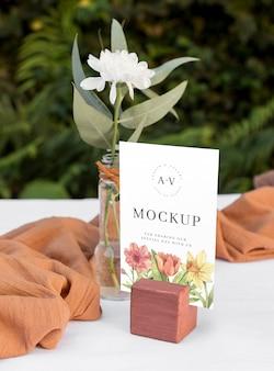 Maquete de natureza morta de casamento com design de número de mesa